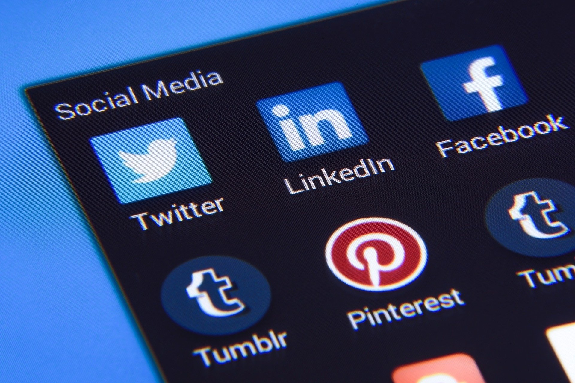 social media campaign image strategy